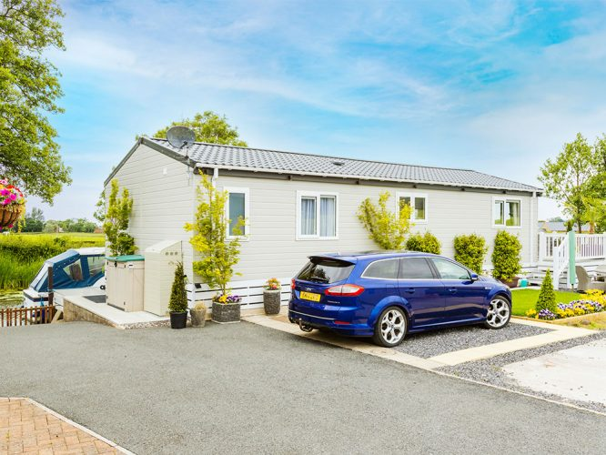 Park home with private parking at The Smithy