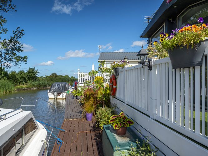 Luxury Canal-side Living at our peaceful and secure Smithy Park near Garstang in Lancashire